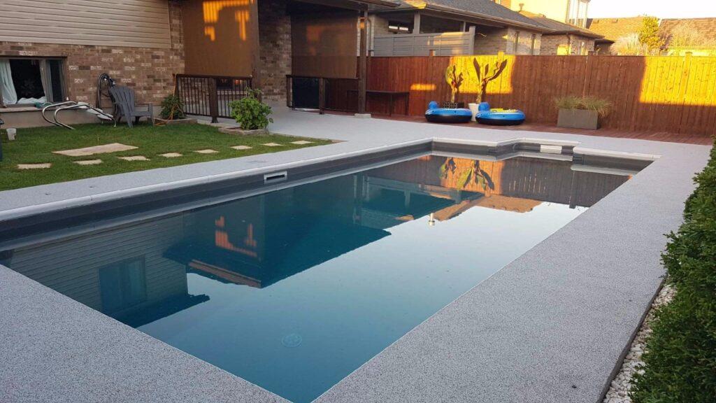 резиновое покрытие отмостки бассейна